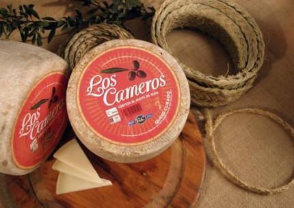 """Queso curado """"Etiqueta Roja"""" Los Cameros."""