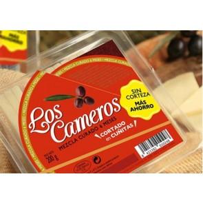 """Cuñas de queso curado precortadas """"Etiqueta Roja""""  250gr."""